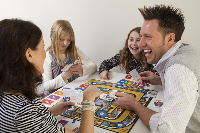 Learn a language with KLOO family board game