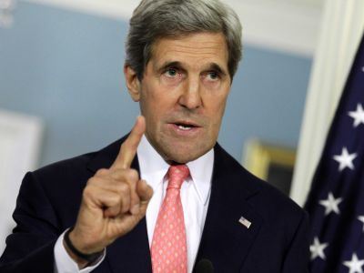 John Kerry speaks French
